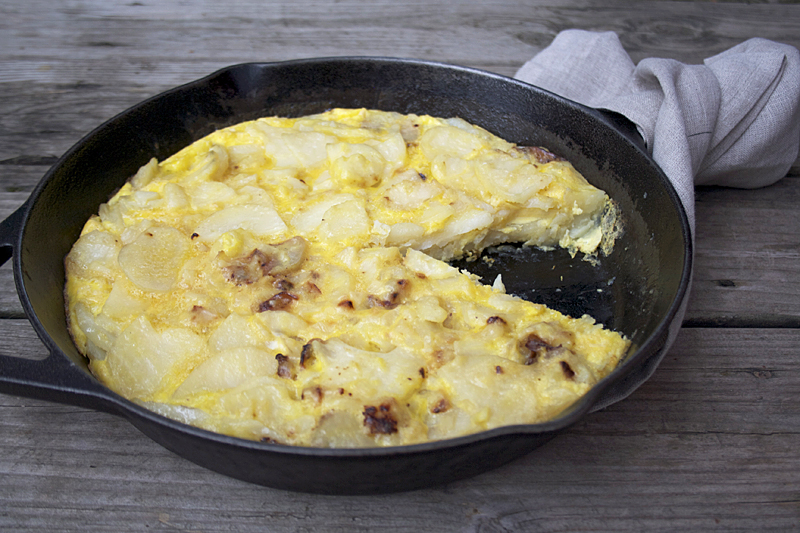 A Match Made in Heaven: Spanish Tortilla and Rioja Wine | myhumblekitchen.com